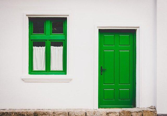 sposoby ocieplania drzwi