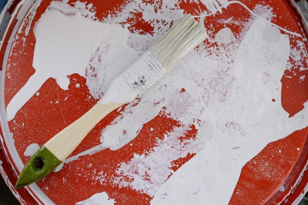 malowanie mebli farba