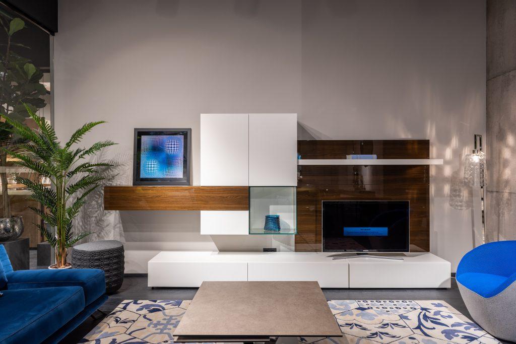 ściana tv w salonie